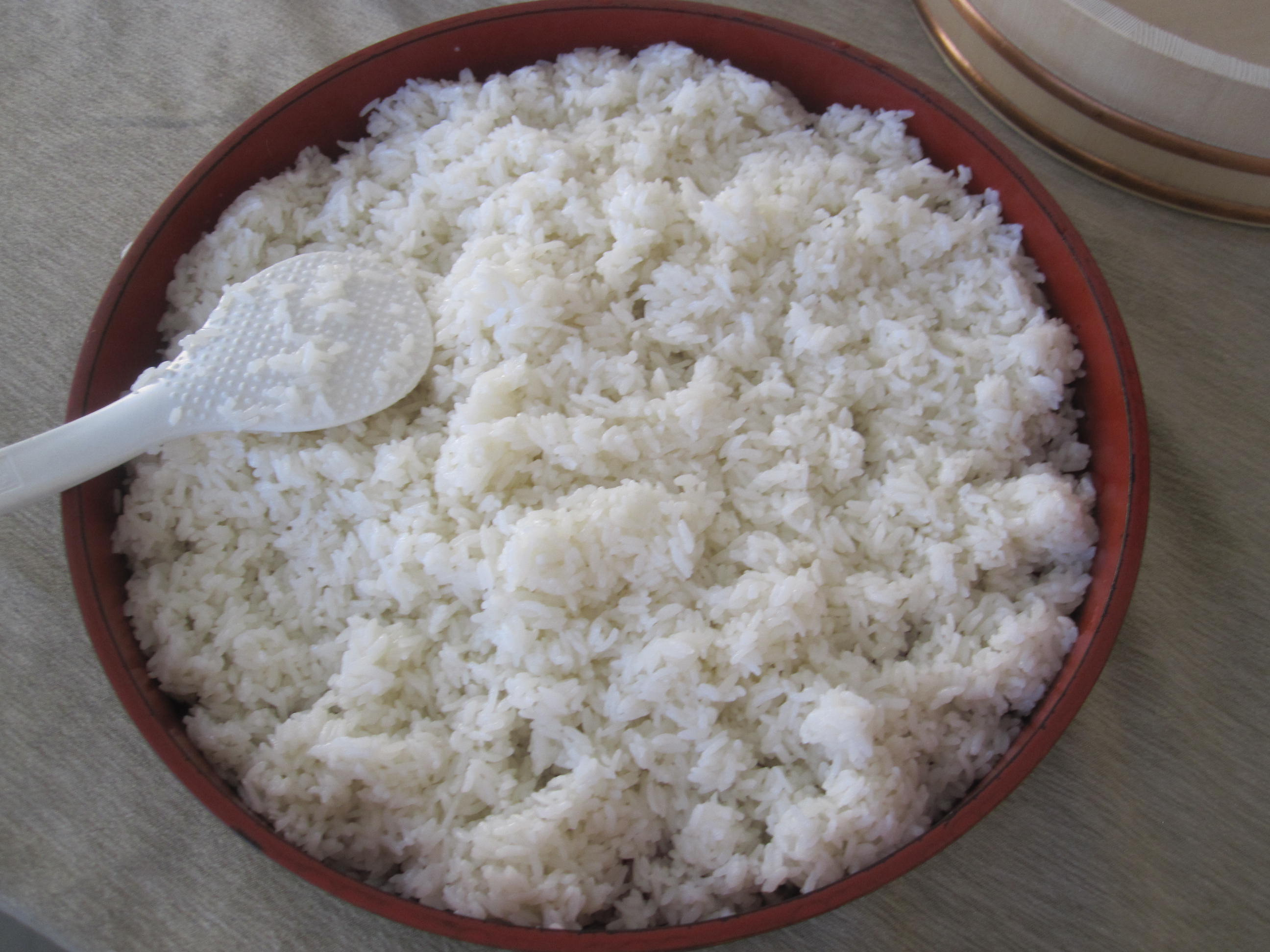 sushi rice Masaharu morimoto recommends using a rice cooker and seasoning the rice to taste start with 1/2 cup of sweetened vinegar for every 5 cups of cooked rice, adding more.